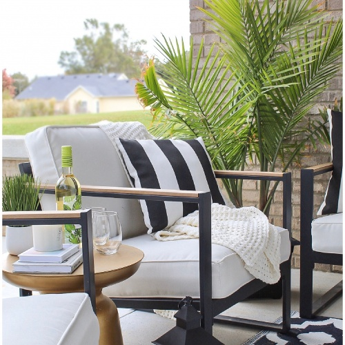 Black and White Outdoor Patio Vibes