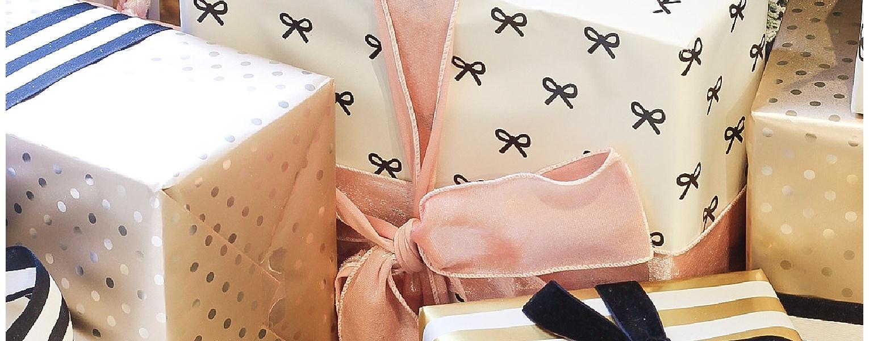 Type A Style Holiday Decorating Series | Feminine Blush Glam